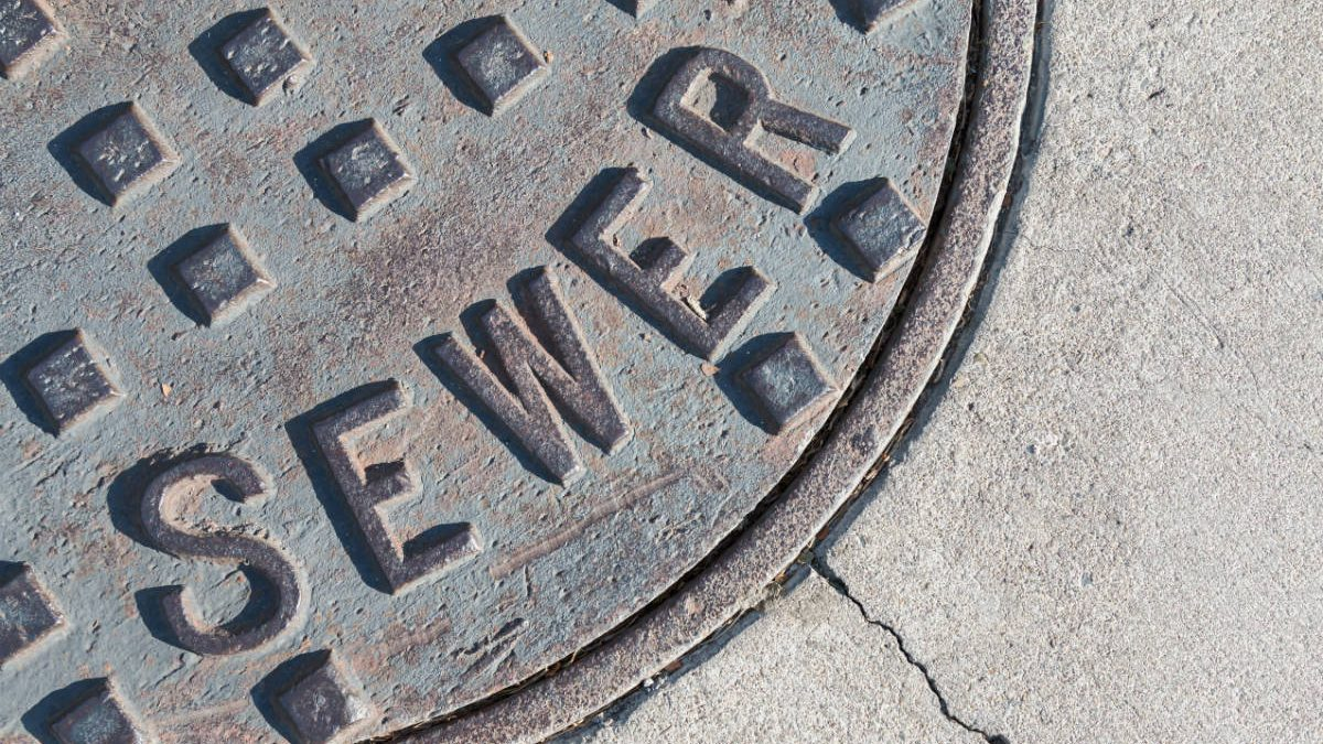 How to unblock a sewer drain